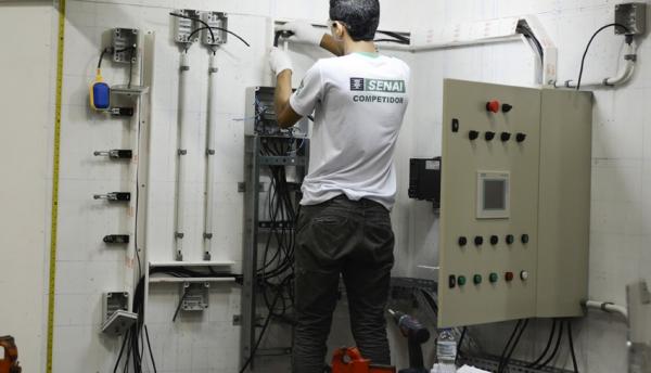 Eletricista Industrial