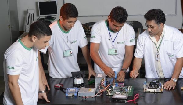 Instalador e Reparador de Redes de Computadores